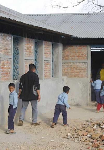 Wiederaufbau Schule Mahure in Bolde nach Erdbeben